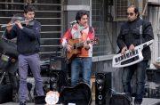 فیلم| نوازندگان دوره گرد در خیابان ولیعصر(عج) تهران
