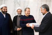 حسن روحانی از کارگردان فیلم «قلاده های طلا» شکایت کرد!