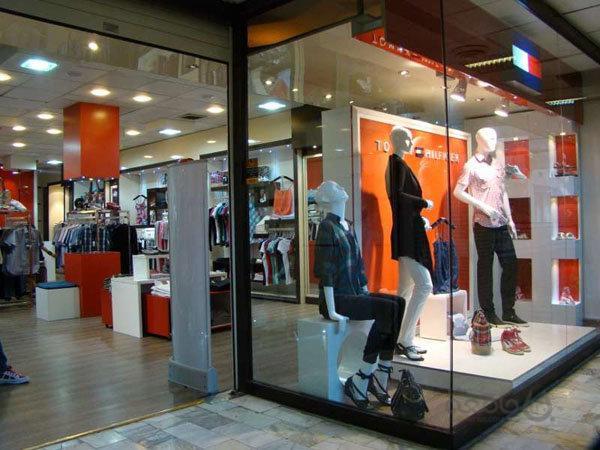 ادامه ممنوعیت واردات کفش و پوشاک