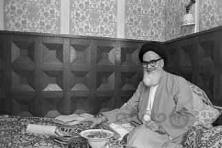 آخرین مصاحبه وزیرخارجه انقلاب| حفاظت ۵ زن از امام درنوفل لوشاتو
