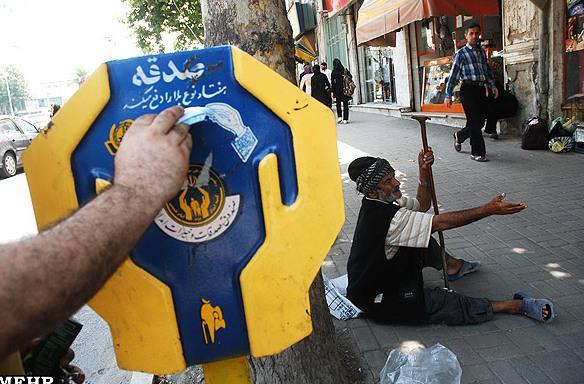 کمیته امداد و دادگاه روحانیت غیرقانونی هستند!