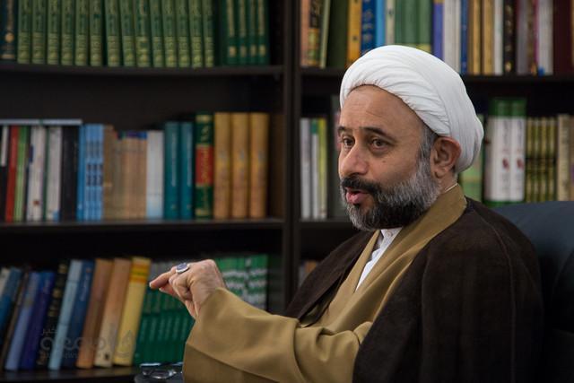 روحانی منتقد و پرحاشیه از رئیس جمهور حکم گرفت