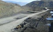 فیلم و عکس گودبرداری و تخریب کوه برای دفن زباله| هنوز مسئولی پاسخ نداده است